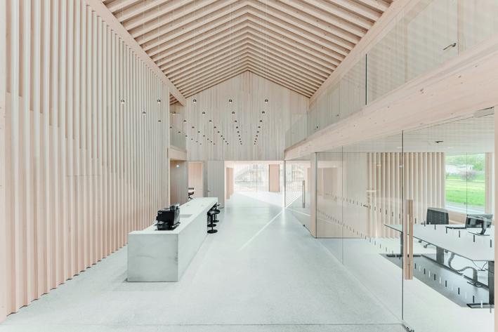 Siegerprojekt im Gewerbebau: Bürogebäude DIN Sicherheitstechnik, Schlins (Fotos Sutter Holzbau).